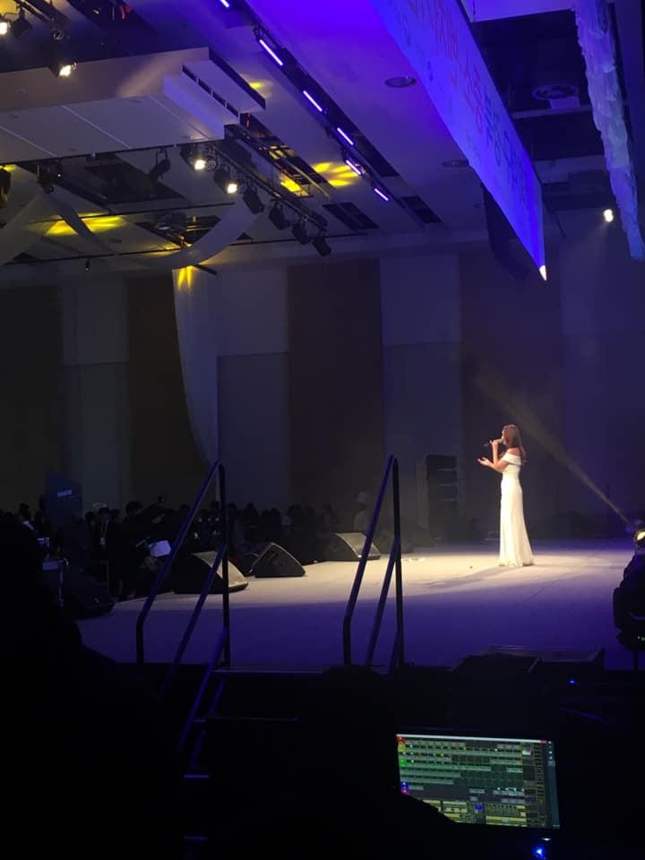 제6회 대구경북 중소 벤처기업 대축전 축하공연 브리즈 컴퍼니 공연 모습